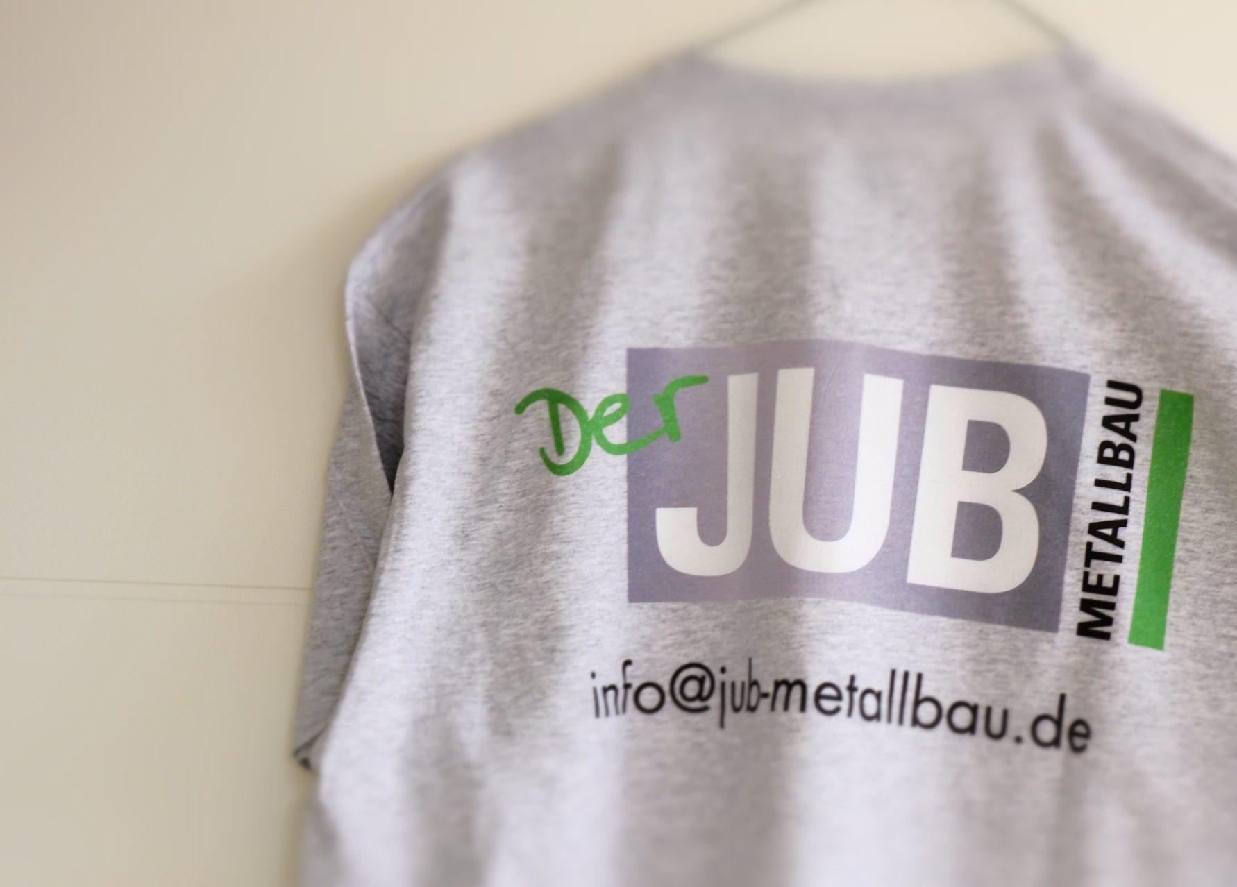 Textildirektdruck auf grauen Shirts JUB Metallbau