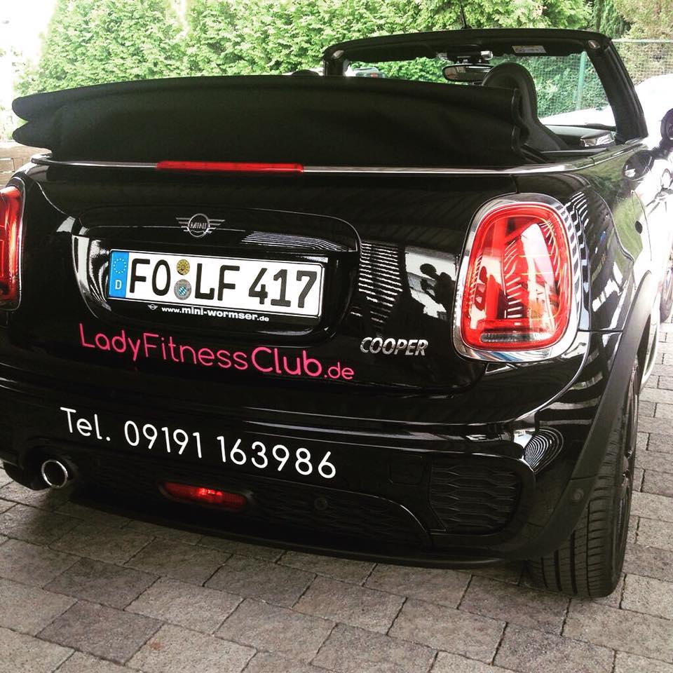 LadyFitnessClub Fahrzeugbeklebung hinten